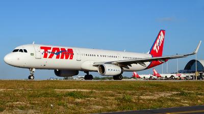 PT-MXL - Airbus A321-231 - TAM Linhas Aéreas