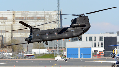 03-03728 - Boeing MH-47G Chinook - United States - US Army