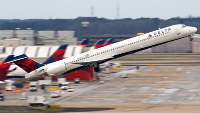 N918DH - McDonnell Douglas MD-90-30 - Delta Air Lines