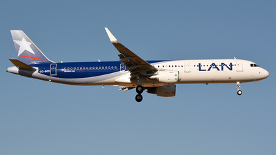 CC-BED - Airbus A321-211 - LAN Airlines