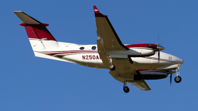 N250AW - Beechcraft 200 Super King Air - Private