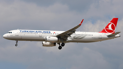 A picture of TCJSU - Airbus A321231 - Turkish Airlines - © Daniel Klein