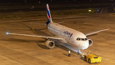 A picture of CCBAG - Airbus A320232 - LATAM Airlines - © Naoto Goto