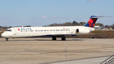 A picture of N971DL - McDonnell Douglas MD88 - USA Jet Airlines - © CHS Spotting