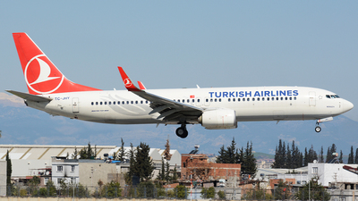A picture of TCJHY - Boeing 7378F2 - Turkish Airlines - © Kayra D.