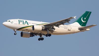 AP-BDZ - Airbus A310-308 - Pakistan International Airlines (PIA)