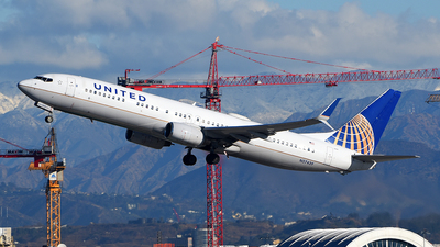 A picture of N57439 - Boeing 737924(ER) - United Airlines - © Rocky Wang