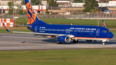 A picture of N824SY - Boeing 73785P - Sun Country Airlines - © Hongyu Wang