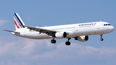 A picture of FGTAZ - Airbus A321212 - Air France - © Fabrizio Spicuglia