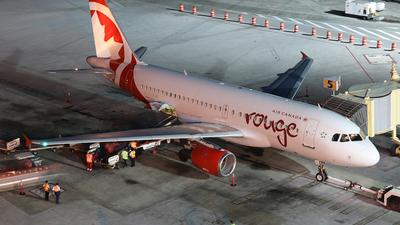 C-FYKW - Airbus A319-114 - Air Canada Rouge