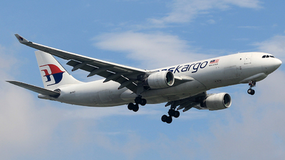 A picture of 9MMUD - Airbus A330223F - Malaysia Airlines - © Corvin y