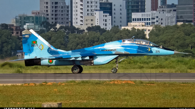 28375 - Mikoyan-Gurevich MiG-29UB Fulcrum - Bangladesh - Air Force