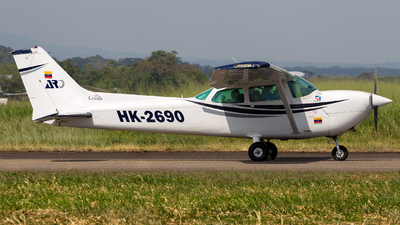 HK-2690 - Cessna R172K Hawk XP - Private