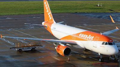 A picture of GEZBO - Airbus A319111 - easyJet - © n94504