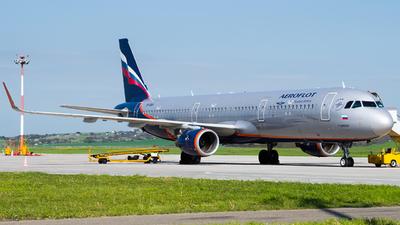 A picture of VPBAV - Airbus A321211 - Aeroflot - © Alexander Lebedev