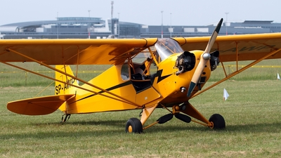 SP-AWP - Piper J-3C-65 Cub - Private