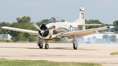 NX5443U - North American T-28B Trojan - Private