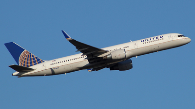 A picture of N596UA - Boeing 757222 - United Airlines - © wangruoyao
