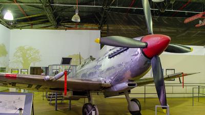 5518 - Supermarine Spitfire Mk.VIII - South Africa - Air Force