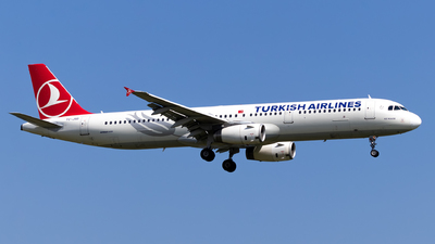 A picture of TCJSD - Airbus A321231 - Turkish Airlines - © Jan Rosskamp