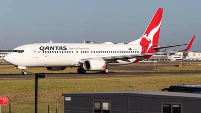 A picture of VHVXT - Boeing 737838 - Qantas - © Clinton_vern