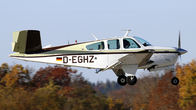 D-EGHZ - Beechcraft V35B Bonanza - Private