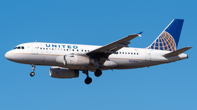 A picture of N825UA - Airbus A319131 - United Airlines - © Evan Dougherty