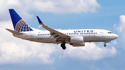 N17752 - Boeing 737-71Q - United Airlines