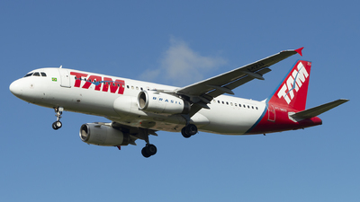 A picture of PTMZU - Airbus A320232 - LATAM Airlines - © Lucas Sérgio