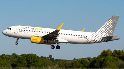 EC-LVT - Airbus A320-232 - Vueling
