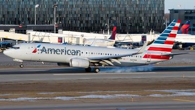 A picture of N882NN - Boeing 737823 - American Airlines - © Steve Rinde