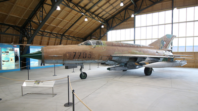 7705 - Mikoyan-Gurevich MiG-21MF Fishbed J - Czech Republic - Air Force