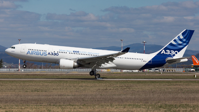 F-WWCB - Airbus A330-203 - Airbus Industrie