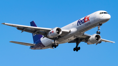 A picture of N970FD - Boeing 75728A(SF) - FedEx - © Ricky Teteris