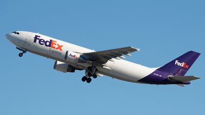 A picture of N746FD - Airbus A300B4622R(F) - FedEx - © Ricardo de Vries