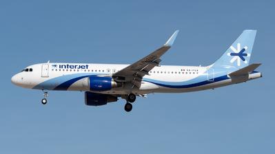 XA-FUA - Airbus A320-214 - Interjet