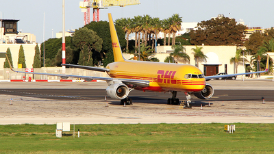 A picture of GDHKS - Boeing 757223(PCF) - DHL - © Matthew.S