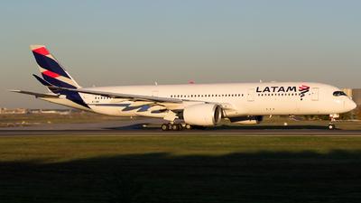 A7-AMB - Airbus A350-941 - Qatar Airways (LATAM Airlines)