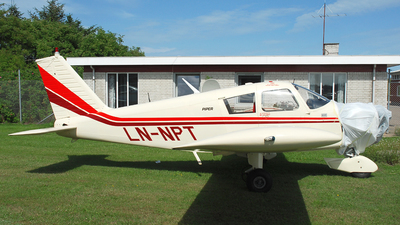 LN-NPT - Piper PA-28-140 Cherokee - Private
