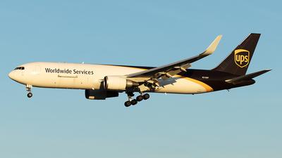 N318UP - Boeing 767-34AF(ER) - United Parcel Service (UPS)