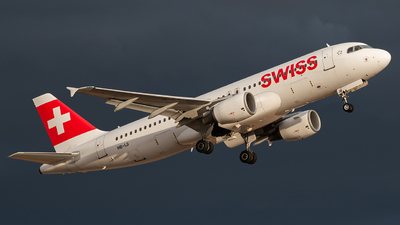 A picture of HBIJI - Airbus A320214 - Swiss - © Frantisek Sindelar