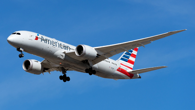 A picture of N818AL - Boeing 7878 Dreamliner - American Airlines - © Mingfei S