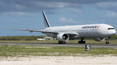 F-GZNG - Boeing 777-328ER - Air France