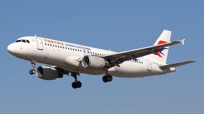 A picture of B2415 - Airbus A320214 - China Eastern Airlines - © Aircraft carrier FX