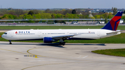 A picture of N833MH - Boeing 767432(ER) - Delta Air Lines - © kchavgeek96