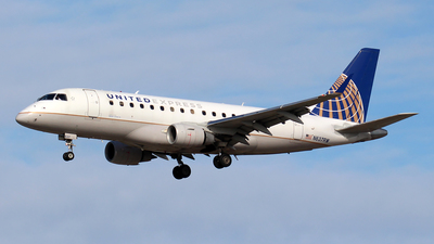 A picture of N637RW - Embraer E170SE - United Airlines - © Huy Do