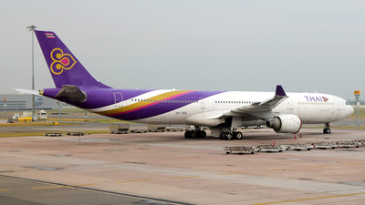 HS-TEH - Airbus A330-321 - Thai Airways International