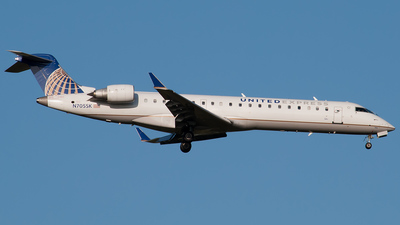 N705SK - Bombardier CRJ-701 - United Express (SkyWest Airlines)