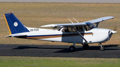 A picture of VHYUS - Cessna 172R Skyhawk - [17281235] - © Lachlan Gatland