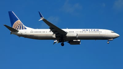 A picture of N69835 - Boeing 737924(ER) - United Airlines - © JFrag